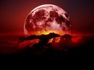 Гипотеза: планета, породившая Луну, все еще цела