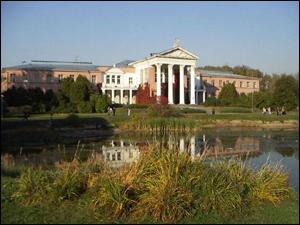 Совершать платные велопрогулки по Главному ботаническому саду РАН разрешило местное руководство. текст.