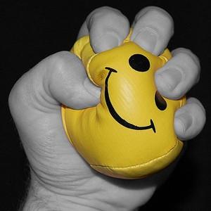 Дисбаланс древних типов поведения лишает людей счастья