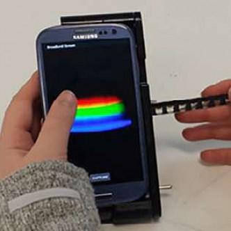 Возможности для науки: приставка превращает смартфон в лабораторный спектрометр