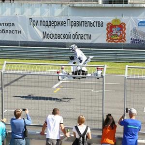 В Сколково протестировали летающий мотоцикл