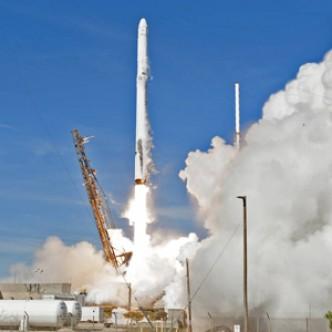 Ракета SpaceX успешно стартовала повторно, корабль Dragon пристыковался к МКС