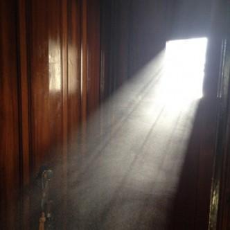 Загрязнение воздуха в доме ухудшает когнитивные способности детей