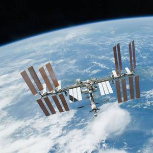 NASA разрешит туристам путешествия на МКС