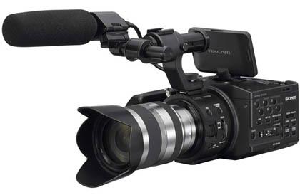 Sony представила видеокамеру профессионального уровня со сменной оптикой