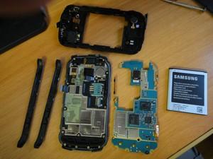 Samsung Galaxy Xcover 2 в разобранном виде