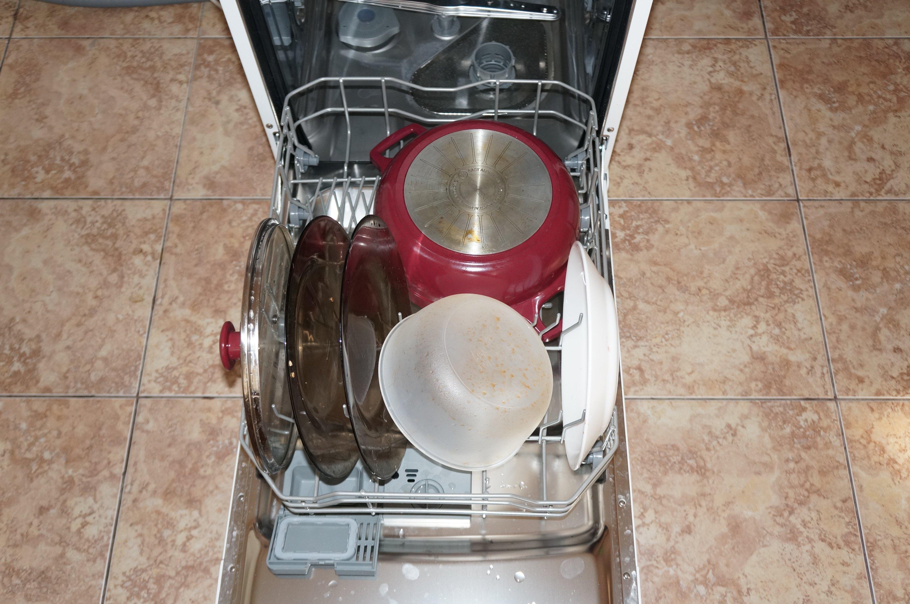 Как и чем мыть прозрачное стекло (посуда): Полезные советы