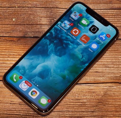 Смартфон получил безрамочный дисплей на 5 199fb22cf857f