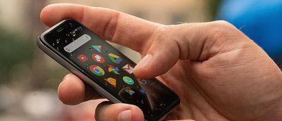 Легендарная Palm выпустила смартфон размером с кредитку. Фото