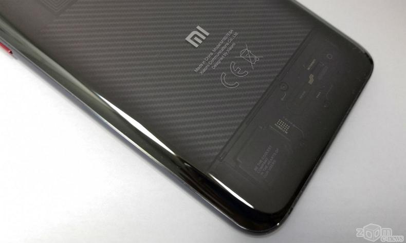 Mi 8 VS Mi 8 Pro: сравниваем флагманы Xiaomi  Cтатьи, тесты