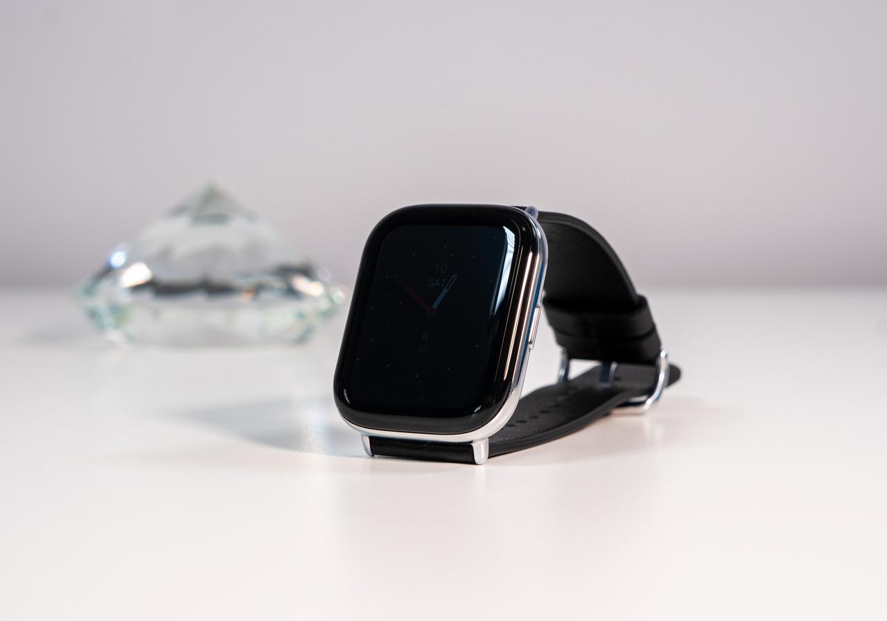 Обзор умных часов Zepp E: стильный аксессуар для спорта