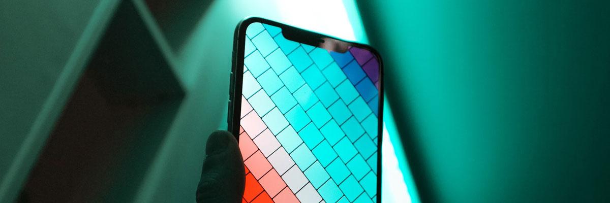 Какой дисплей для смартфона лучше: AMOLED или IPS?