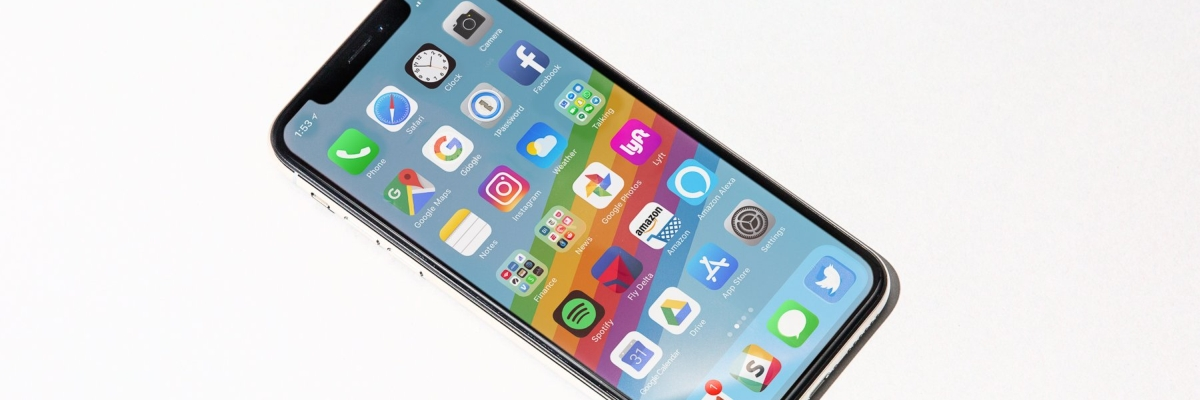Первый взгляд на iPhone X: новое начало