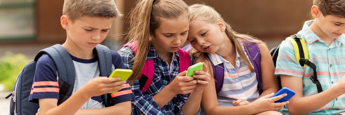 Смартфоны для школьников: выбор ZOOM