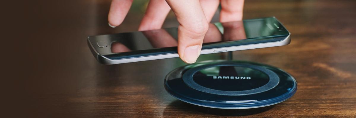 Заряжаем смартфон без проводов: как работают беспроводные зарядные устройства